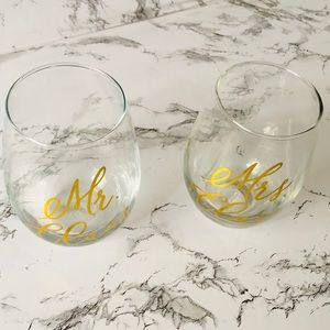 Mr & Mrs Claus Gold Script Stemless Wine Glasses